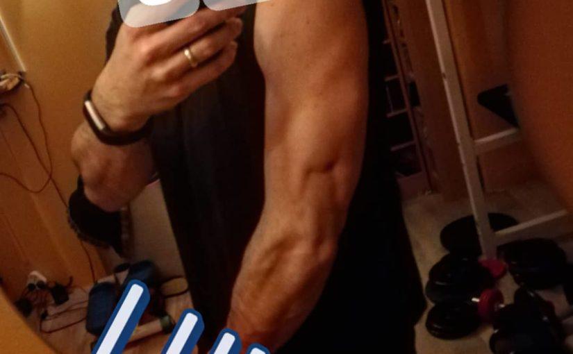 #triceps คุณยังไม่ได้เข้าสู่ระบบ #fitness #def #fitnessmodel #fitnessaddic …