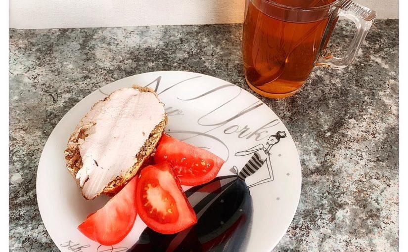ขนมขบเคี้ยวในช่วงบ่าย … . . ชิ้นส่วนของขนมปังที่พอดีกับชิ้นของ c …