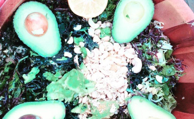 แบนเนอร์อร่อย! #plantbased #springgreens #wildcraftedsalad #mahashivatri #auspiciou …
