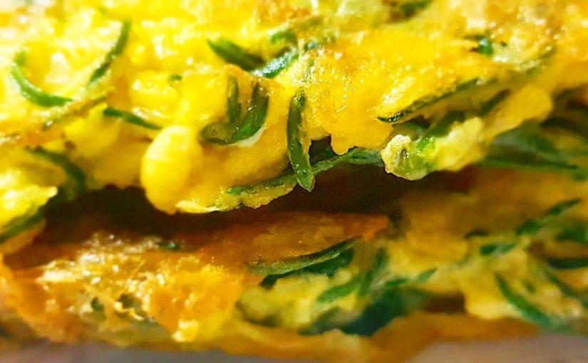 """อาหารมื้อสายวันอาทิตย์พร้อมโฮมเมด """"Sea Blite omlette"""" – ผักทะเล . . . #omlette …"""
