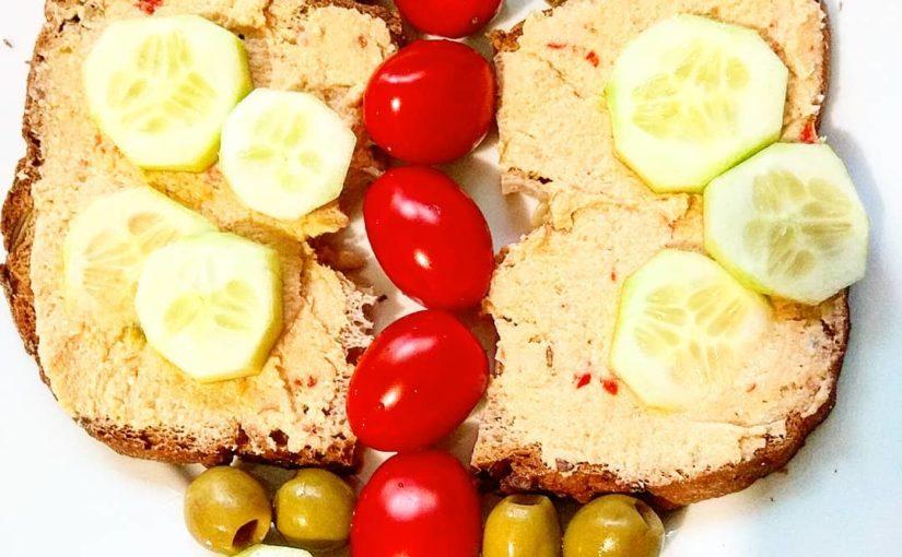 #breakfast #vegan #veganlife #veganfood #dnes_jem #dnesjemvegan #healthylifest …